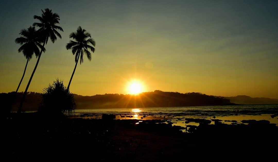 Sunrise Pantai Legon Pari